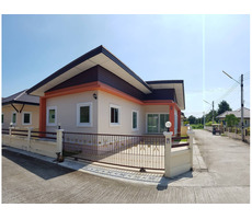 New 2 bedroom house in central Ban Phe close to Suan Son beach!