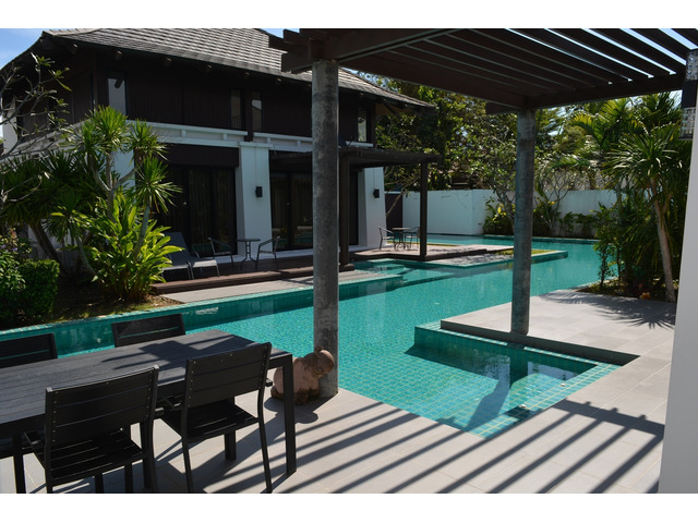 Attractive 3 bedroom pool villa 200 meters from the beach